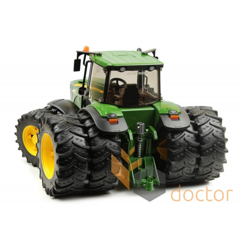 toy model of tractor john deere 7930 with double wheels. Black Bedroom Furniture Sets. Home Design Ideas