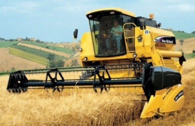 Combine harvester NEW HOLLAND TC 56
