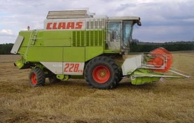 Combine harvester CLAAS COMMANDOR 112 CS-228 CS